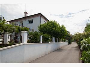 Appartementen Marija Rijeka, Kwadratuur 55,00 m2, Lucht afstand tot de zee 200 m
