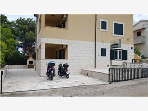 Appartements Ana Vrboska - île de Hvar,Réservez Appartements Ana De 88 €