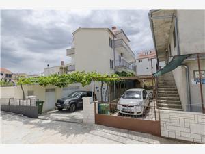 Apartamenty Jasna Primosten, Powierzchnia 90,00 m2, Odległość od centrum miasta, przez powietrze jest mierzona 280 m