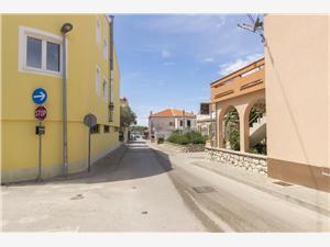 Апартаменты и Kомната Central Position Novalja - ostrov Pag, квадратура 55,00 m2, Воздуха удалённость от моря 150 m, Воздух расстояние до центра города 200 m