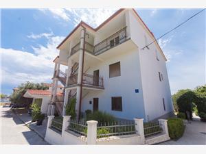 Appartements Lorenzo Seget Vranjica,Réservez Appartements Lorenzo De 171 €
