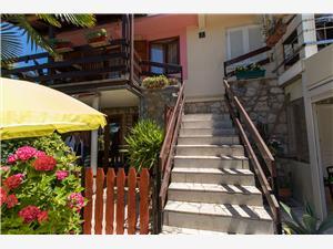 Apartmaj Paulina Cres - otok Cres, Kvadratura 30,00 m2, Oddaljenost od morja 70 m, Oddaljenost od centra 600 m