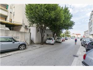 Apartman Marica Omis, Méret 30,00 m2, Központtól való távolság 500 m