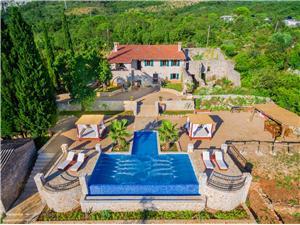 Vila Brca Černá Hora, Kamenný dům, Prostor 180,00 m2, Soukromé ubytování s bazénem