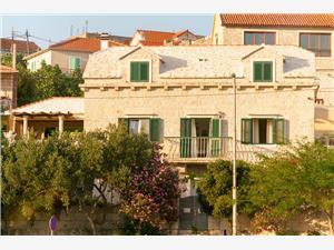 Vakantie huizen Midden Dalmatische eilanden,Reserveren Vicko Vanaf 352 €