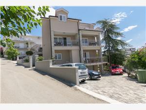 Apartmanok Sanja Dalmácia, Méret 30,00 m2, Légvonalbeli távolság 150 m, Központtól való távolság 100 m