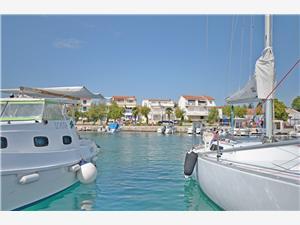 Accommodatie aan zee Sibenik Riviera,Reserveren Vinko Vanaf 95 €