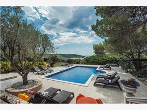 Villa Mima Banjole, квадратура 267,00 m2, размещение с бассейном, Воздух расстояние до центра города 300 m