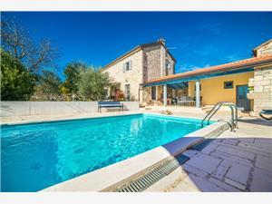 Vila Ava Poreč, Kvadratura 120,00 m2, Smještaj s bazenom