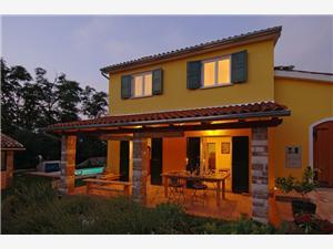 Hébergement avec piscine L'Istrie bleue,Réservez Peronospora De 150 €