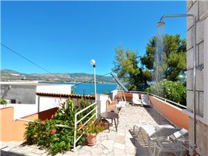 Appartementen Josipa Arbanija (Ciovo),Reserveren Appartementen Josipa Vanaf 86 €
