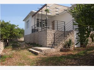 Huis Josip Razanj, Kwadratuur 120,00 m2, Lucht afstand tot de zee 250 m, Lucht afstand naar het centrum 50 m