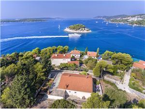 Haus Ivo Hvar - Insel Hvar, Größe 110,00 m2, Luftlinie bis zum Meer 70 m, Entfernung vom Ortszentrum (Luftlinie) 800 m
