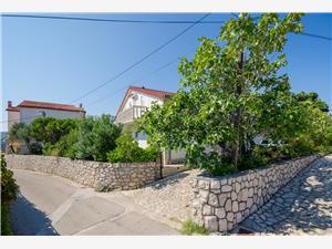 Apartman Ladislav Lopar - Rab sziget, Méret 110,00 m2, Központtól való távolság 350 m