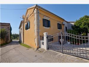 Dům Zora Rakalj, Prostor 67,00 m2, Vzdušní vzdálenost od centra místa 200 m