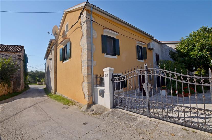 Hiša Zora