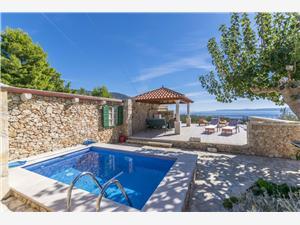 Namestitev z bazenom Srednjedalmatinski otoki,Rezerviraj PETRIC Od 205 €