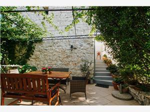 Kamniti hiši Jakov Trogir,Rezerviraj Kamniti hiši Jakov Od 85 €