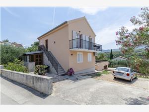 Appartamenti Antonela Vrboska - isola di Hvar,Prenoti Appartamenti Antonela Da 100 €