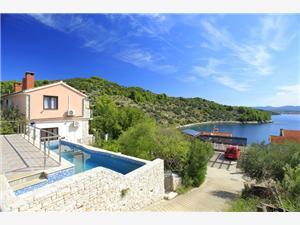 Hiša Nikola Vela Luka - otok Korcula, Kvadratura 130,00 m2, Namestitev z bazenom, Oddaljenost od morja 60 m