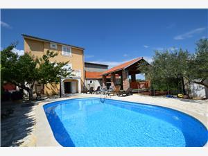 Hébergement avec piscine Žikovic Malinska - île de Krk,Réservez Hébergement avec piscine Žikovic De 174 €
