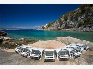 Huis MARIJANA Gdinj - eiland Hvar, Kwadratuur 70,00 m2, Lucht afstand tot de zee 10 m
