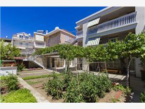 Appartementen Borac Vodice, Kwadratuur 45,00 m2, Lucht afstand naar het centrum 30 m