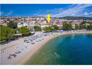 Apartamenty KARMEN 2 Crikvenica, Powierzchnia 33,00 m2, Odległość do morze mierzona drogą powietrzną wynosi 50 m, Odległość od centrum miasta, przez powietrze jest mierzona 500 m