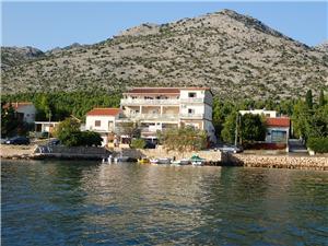 Appartementen Bili-with the beautiful seaview Starigrad Paklenica, Kwadratuur 35,00 m2, Lucht afstand tot de zee 30 m, Lucht afstand naar het centrum 500 m