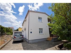 Apartmány Zaterini-on quiet location Starigrad Paklenica, Rozloha 20,00 m2, Vzdušná vzdialenosť od mora 30 m, Vzdušná vzdialenosť od centra miesta 500 m