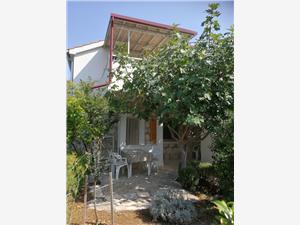 Stenen huize Split en Trogir Riviera,Reserveren Ante Vanaf 117 €