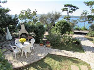 Ferienwohnung Željka Die Inseln der Kvarner, Größe 50,00 m2, Luftlinie bis zum Meer 10 m, Entfernung vom Ortszentrum (Luftlinie) 900 m