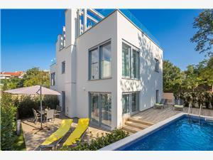 Kuća za odmor Villa Amber Nina Malinska - otok Krk, Kvadratura 120,00 m2, Smještaj s bazenom, Zračna udaljenost od centra mjesta 100 m