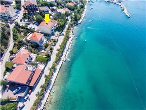 Ferienwohnungen Djakovic Silo - Insel Krk, Größe 60,00 m2, Luftlinie bis zum Meer 20 m, Entfernung vom Ortszentrum (Luftlinie) 200 m