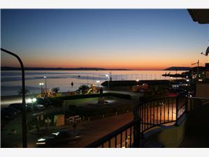 Beachfront accommodation Makarska riviera,Book Lena From 115 €