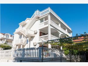 Apartmanok és Szobák PAPICA Peljesac, Méret 20,00 m2, Légvonalbeli távolság 270 m, Központtól való távolság 800 m