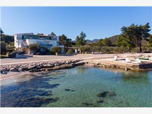 Ferienwohnungen  DEAK Drace, Größe 44,00 m2, Luftlinie bis zum Meer 30 m, Entfernung vom Ortszentrum (Luftlinie) 200 m