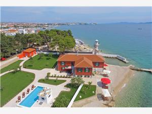 Ferienwohnungen Punta Lanterna Zadar, Größe 38,00 m2, Privatunterkunft mit Pool, Luftlinie bis zum Meer 10 m