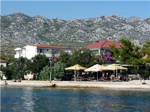 Apartamenty Sidro-by the sea Riwiera Zadar, Powierzchnia 22,00 m2, Odległość do morze mierzona drogą powietrzną wynosi 15 m, Odległość od centrum miasta, przez powietrze jest mierzona 100 m