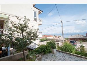 Apartman Dorica Vrbnik - otok Krk, Kvadratura 65,00 m2, Zračna udaljenost od mora 250 m, Zračna udaljenost od centra mjesta 300 m