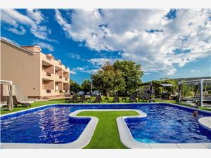 Apartmanok Villa Subic Kampor - Rab sziget, Méret 45,00 m2, Szállás medencével