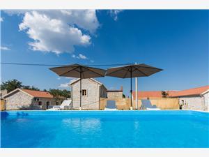 Vakantie huizen 2 Biograd,Reserveren Vakantie huizen 2 Vanaf 102 €