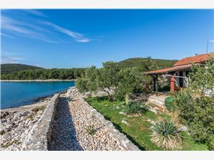 Hiša Rose Hip Tkon - otok Pasman, Hiša na samem, Kvadratura 45,00 m2, Oddaljenost od morja 10 m