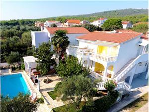 Dům Milica Riviéra Zadar, Prostor 150,00 m2, Soukromé ubytování s bazénem