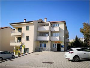 Apartments Villa Akvarij Baska - island Krk, Size 45.00 m2, Airline distance to the sea 100 m, Airline distance to town centre 90 m
