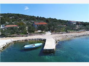 Kuća za odmor Daisy Tkon - otok Pašman, Kuća na osami, Kvadratura 64,00 m2, Zračna udaljenost od mora 10 m