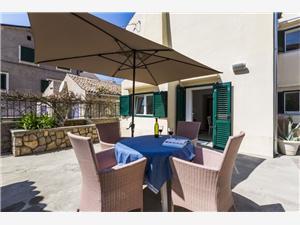 Appartamenti Antje Veli Losinj - isola di Losinj,Prenoti Appartamenti Antje Da 120 €