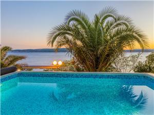 Haus BLANKA Dramalj (Crikvenica), Größe 130,00 m2, Privatunterkunft mit Pool, Luftlinie bis zum Meer 20 m