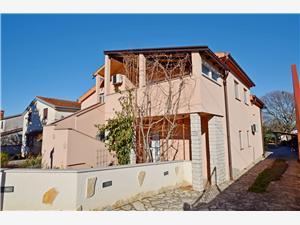 Appartementen Villa Loredana Blauw Istrië, Kwadratuur 90,00 m2, Accommodatie met zwembad, Lucht afstand naar het centrum 200 m