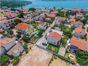 Appartamenti Katarina Pirovac, Dimensioni 35,00 m2, Distanza aerea dal mare 200 m, Distanza aerea dal centro città 600 m
